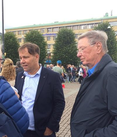 Martin Wannholt och Per Anders Örtendal på demonstration mot Västlänken 9 september 2017.