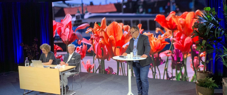 Partiledaren Martin Wannholt inleder det digitala årsmötet 25 juni.